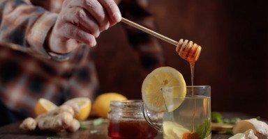 فوائد العسل للرجال وعلاج ضعف الانتصاب بالعسل