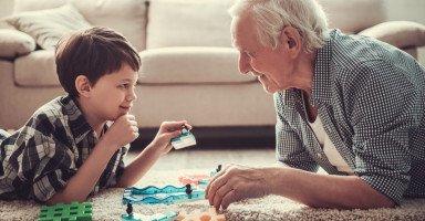 طرق لزرع السعادة في قلوب الجد والجدة!
