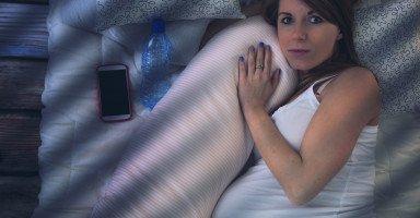 أسباب الأرق عند الحامل وطرق علاج الأرق خلال الحمل