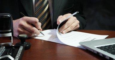 تفسير رؤية التوقيع في المنام ورمز الإمضاء في الحلم