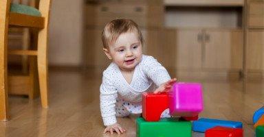 جدول تطور الطفل في الشهر التاسع ووزن طفل 9 شهور