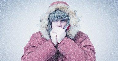 تفسير الشعور بالبرد في المنام وحلم الجو البارد