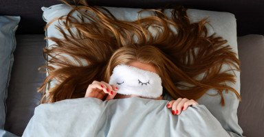 أفضل ماسكات طبيعية للشعر أثناء النوم