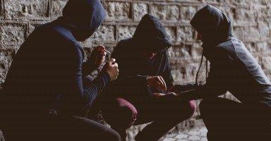 المخدرات وتأثيرها السلبي على الشباب وطرق الوقاية منها