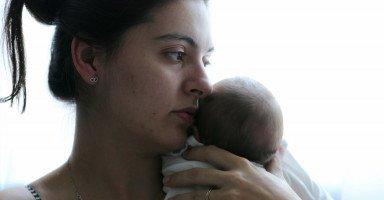 مشاكل ما بعد الولادة والصحة الجسدية والنفسية بعد الولادة