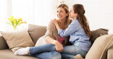 ثنائية العلاقة بين الأم وابنتها ومشاكلها