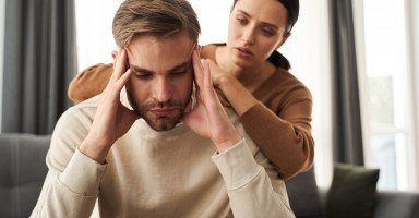 اعتذار الزوجة بعد الخيانة وهل يستطيع الزوج مسامحتها؟