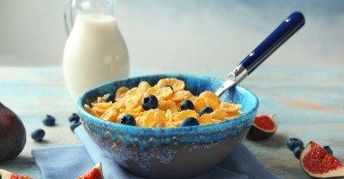 """أضرار الكورن فليكس """"رقائق الذرة"""" وفوائد حبوب الفطور"""