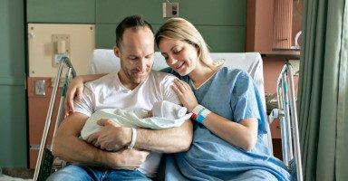 العلاقة الزوجية بعد الولادة القيصرية والطبيعية