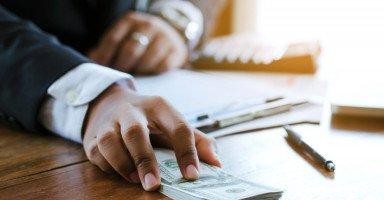 التفاوض على الراتب ومناقشة الأجر والأمور المالية