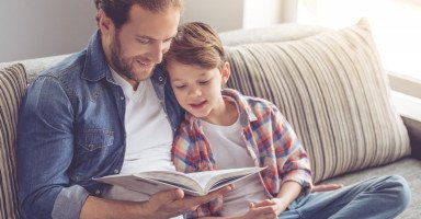 تعليم الأطفال أهمية القراءة وتحفيز الطفل للقراءة