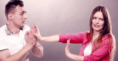 اعتذار الزوج بعد الخيانة هل يكفي لاستمرار الزواج؟