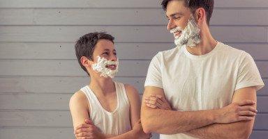كيف تكون قدوة حسنة لأبنائك المراهقين؟