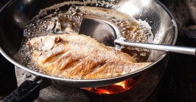 تفسير رؤية السمك المقلي في المنام ورمز قلي السمك