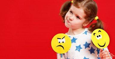 تعليم الطفل كيفية التعامل مع عواطفه