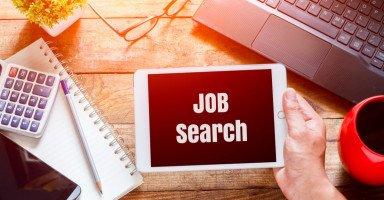 إيجاد الوظيفة المناسبة بعد التخرج من الجامعة