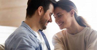 أفكار تقرب الزوج من زوجته ونصائح للتقرب من الزوجة