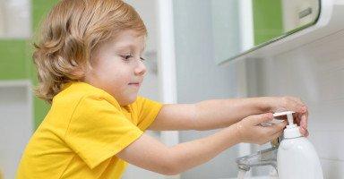 تعليم الطفل النظافة الشخصية والاهتمام بنفسه