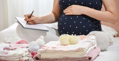 أعراض الولادة وعلامات قرب الولادة في الشهر التاسع