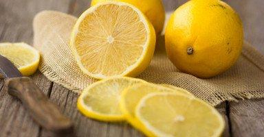 تفسير رؤية الليمون في المنام وأكل الليمون في الحلم