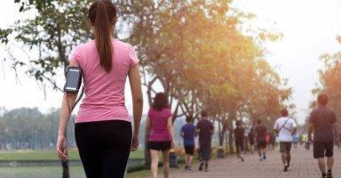 فوائد المشي الصحية وفوائد المشي للتخسيس وللحامل