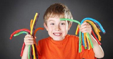 كيف أعلم طفلي القناعة؟ 5 خطوات لتعليم طفلك القناعة