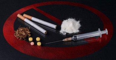 تأثير المخدرات على المجتمع وأضرار المخدرات الاجتماعية