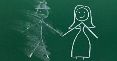 كيف تتعامل المرأة المطلقة مع الحاجة والرغبة الجنسية؟