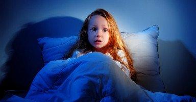 علاج الخوف عند الأطفال عند النوم وأثناء النوم
