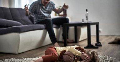 آثار تعاطي المخدرات والإدمان على الحياة الأسرية