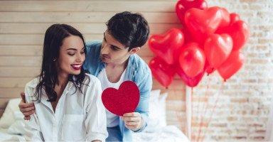 أسرار إمتاع الزوجة في العلاقة الحميمة وطرق إثارة الزوجة