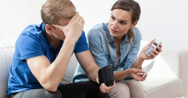 الطلاق من الزوج الفقير وتأثير الفقر على الزوجين