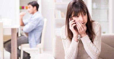هل تكرر الزوجة خيانة زوجها بعد مسامحتها ولماذا؟