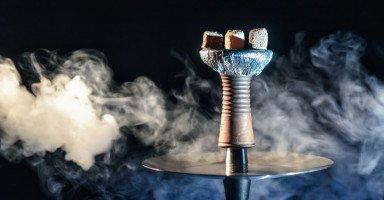 """أضرار الشيشة """"النرجيلة"""" والفرق بين السجائر والمعسل"""