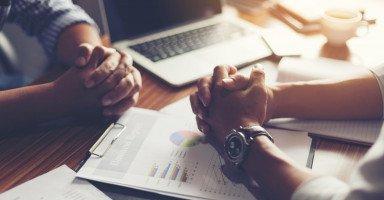 فن التفاوض ومهارات الإقناع في العمل