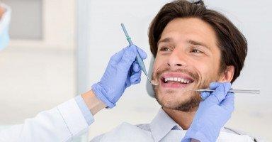 إجراءات وتكلفة علاج تفرق الأسنان بعد تنظيف الجير
