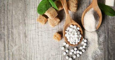 أضرار سكر ستيفيا ونصائح استعمال بدائل السكر
