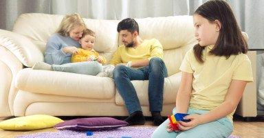التمييز والتفرقة بين الأبناء وحكم التفضيل بين الأولاد