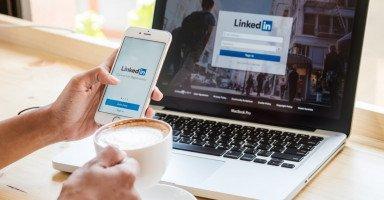 طريقة استخدام موقع لينكد إن وبناء شبكتك المهنية