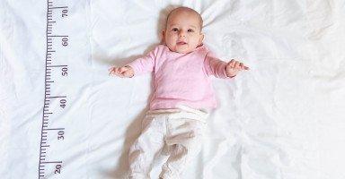 وزن الطفل في الشهر الرابع وتطور الطفل في عمر 4 شهور