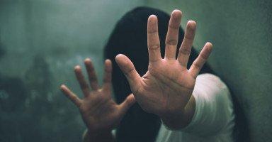 حلول لمواجهة العنف ضد المرأة والتوعية ضد تعنيف المرأة