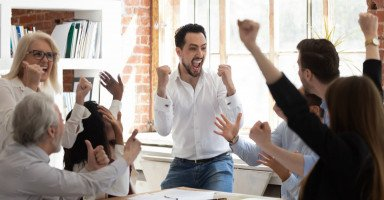 مفهوم الرضا الوظيفي وعوامل مؤثرة بالرضا الوظيفي