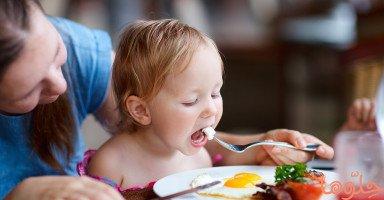 مراحل نمو الطفل من الولادة وتطوره حتى الثامنة عشرة