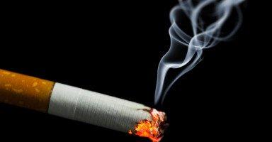 تفسير التدخين في الحلم ورؤية السجائر في المنام