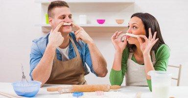 حدود المزاح بين الزوجين وتأثير المزاح على علاقتهما