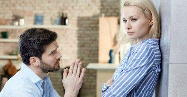 طرق الاعتذار بين الزوجين وأهمية الاعتذار في الزواج