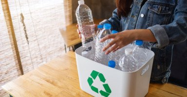 طرق إعادة تدوير البلاستيك في المنزل وأهميتها