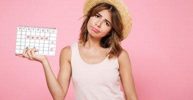 أعراض الدورة الشهرية وأسباب تأخر العادة الشهرية