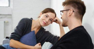 نصائح تجعل خطيبكِ يتعلق بكِ أكثر ويحب الكلام معكِ