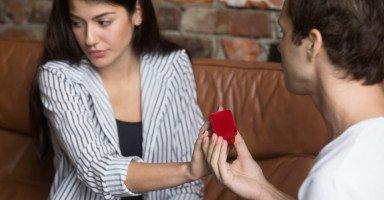 خوف البنت من الزواج بسبب الجنس والعلاقة الحميمة